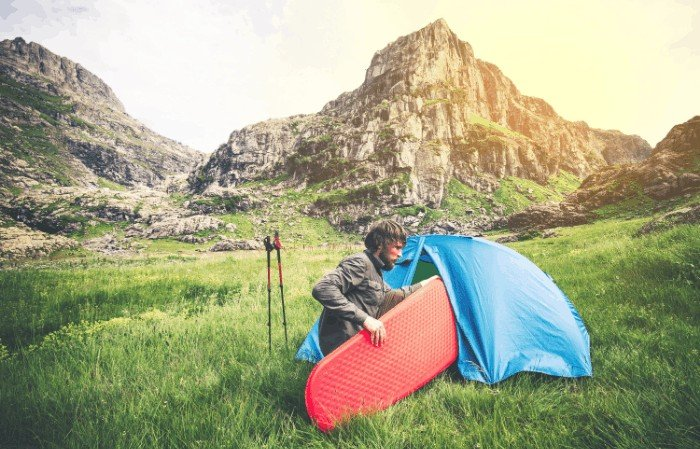 Choosing the best camping mattress for couples