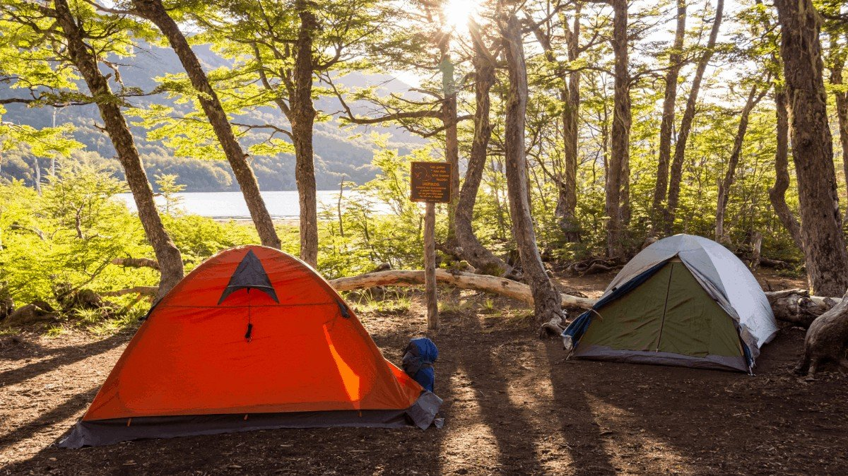 How to choose Tents with Ac Opening