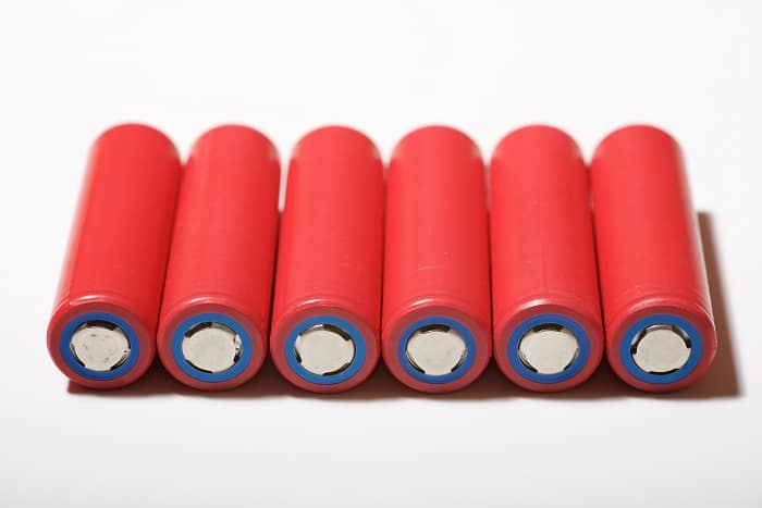How to choose the best 18650 battery for flashlight